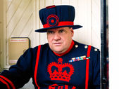 Beefeater in Tower of London — Stock Photo
