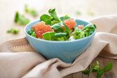 Fresh salad with grapefruit — Stock Photo