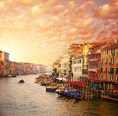 Hermosa vista al canal venecia — Foto de Stock