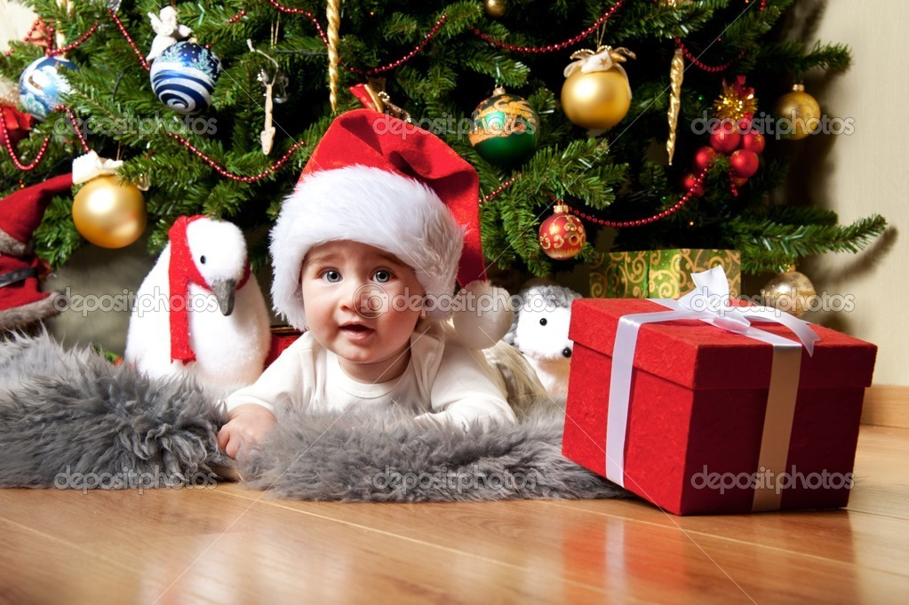 Little boy in Santa Claus hat. — Stock Photo #8601151
