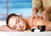 Spa massage for shoulder of woman — Stock Photo
