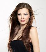 Vacker sexig kvinna med långt hår — Stockfoto