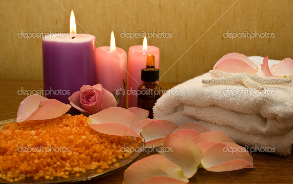 Pink rose and spa products, cosmetics, accessories — Stockfoto #10234263