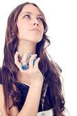 Vrouw toepassen van parfum — Stockfoto