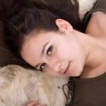 ženská tvář s majitelku vlasy — Stock fotografie