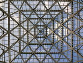 Glass roof in modern office building — Stockfoto