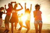 Partij op het strand — Stockfoto