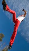 Skoki sportowy kobieta — Zdjęcie stockowe