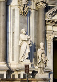 St. Peter statue on Catania cathedral — Stock Photo