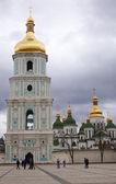 Campanario de la catedral de santa sofía en kiev — Foto de Stock