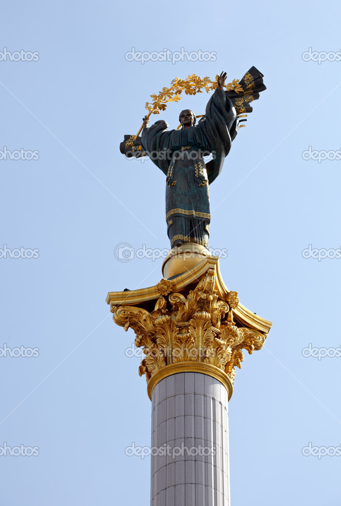 Column in Independence Square or Maidan Square, Kiev  Stock Photo #8731058