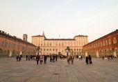 Piazza castello i turin, italien — Stockfoto