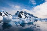 美丽的雪山 — 图库照片