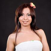 Joven mujer atractiva en un cuadro cuadrado — Foto de Stock