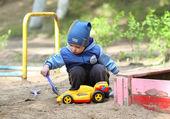 Boy plays — Stock Photo