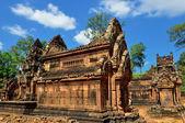 Temple in the jungle — Stock Photo
