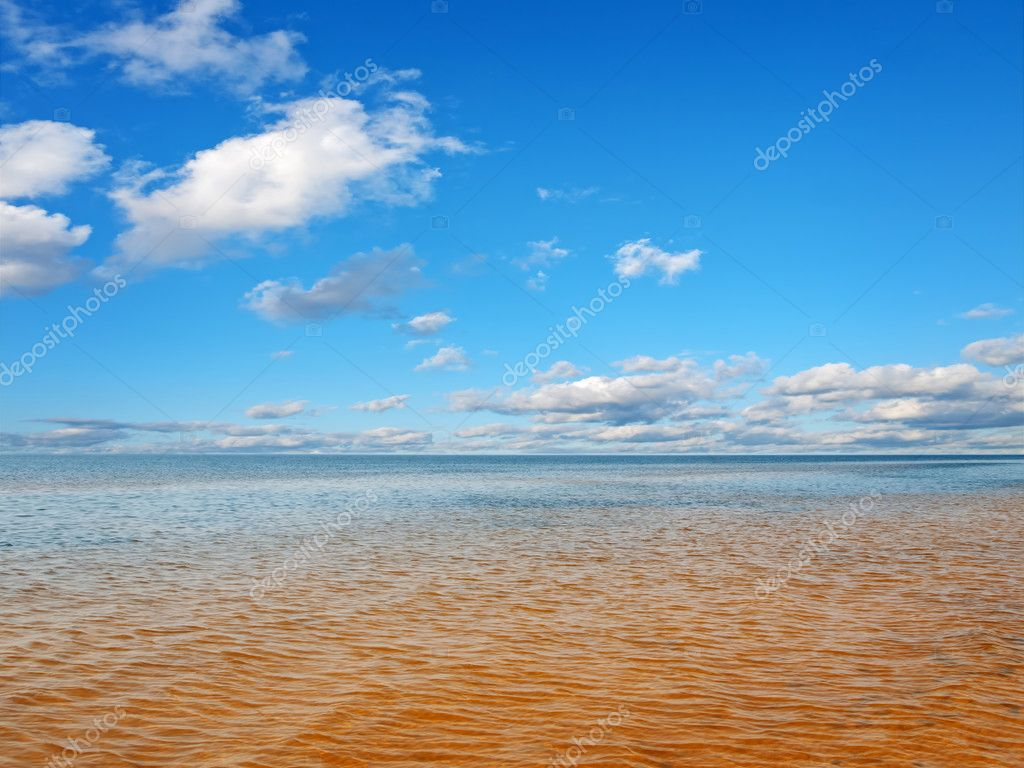 Sea horizon, blue cloudy sky — Stock Photo #9836434