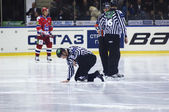 Referees repearing the ice — Stock Photo