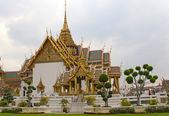 Grand palace en de tempel van de smaragden boeddha — Stockfoto