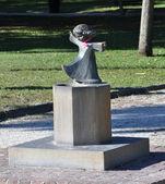Charleston SC little girl statue fountain — Stock Photo