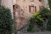 Bardolino, facade detail in the old part of town of Bardolino, Italy — Stock Photo