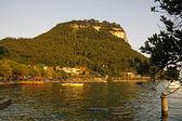 Garda, view of the promenade at Lake Garda in a southerly direction — Stock Photo
