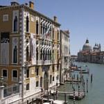 Venice, Church of Santa Maria della Salute and Grand Canal — Stock Photo #9413776