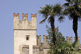 Sirmione, Scaliger castle, Lake Garda, Lombardy, Italy — Stock Photo