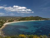 对戈尔 di carbonara 视图和的校园,意大利海滩 — 图库照片