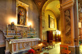 Catholic church interior view. Serralunga D'Alba, Italy. — Zdjęcie stockowe