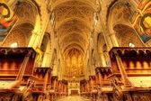 интерьер собора сан-лоренцо. — Стоковое фото