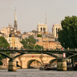 Paris cityscape from Seine River. — Stock Photo