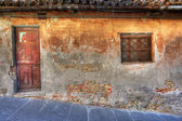 Old house. La Morra, Northern Italy. — Stock Photo