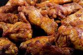 Golden brown fried organic chicken legs — Stock Photo