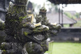 Hindu drangon in a balinese temple — Stock Photo