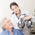 Optometrist doing Sight Testing — Stock Photo