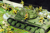 Tank of times of World war with infantrymen — Stock Photo