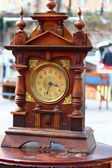 Trä klocka — Stockfoto