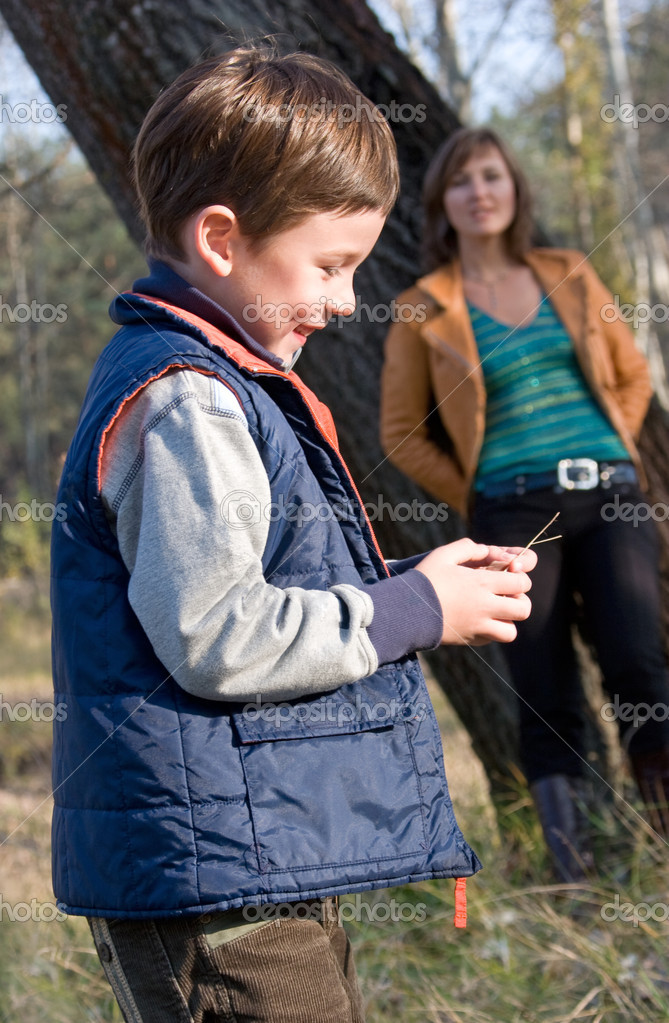Mother and son outdoor portrait — Stock Photo #10166192