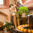 Virgin Mary with Christ statue in cathedral — Stock fotografie