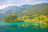 Majestic mountain lake in Switzerland — Stock Photo