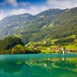 Majestic mountain lake in Switzerland — Stock fotografie