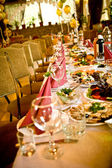 Arranged celebration table — Stockfoto