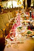 Uspořádána oslava tabulka — Stock fotografie