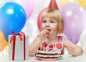 Girl wit balloons — Stockfoto