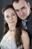 Relacje miłości pary w uroczystej ubrania białego bac — Zdjęcie stockowe