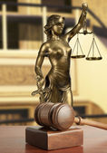 Gavel and Lady of Justice — ストック写真