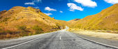 Cardrona valley road — Stock Photo