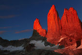 Torres del paine at sunrise — Stock Photo
