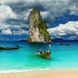 Tropical beach, Andaman Sea, Thailand — Stock Photo #8414443